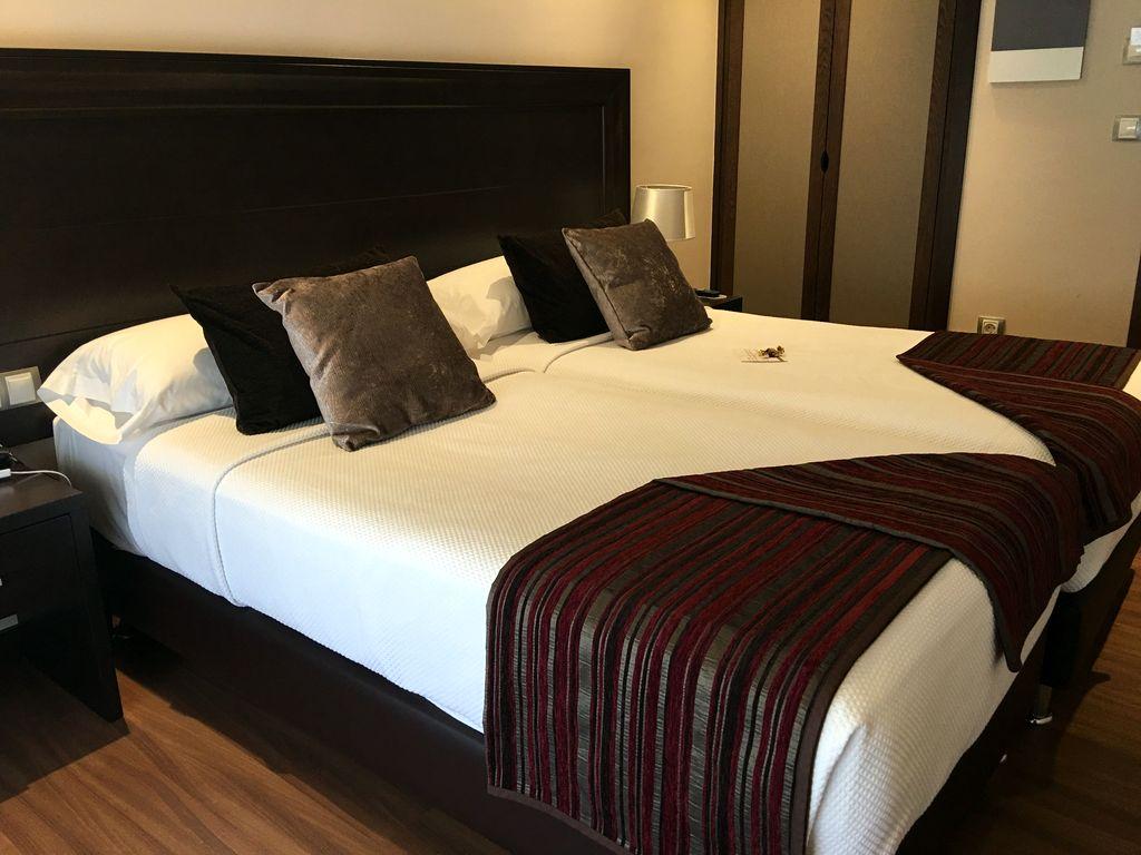 Habitaci n est ndar con dos camas hotel calzada for Habitacion con dos camas